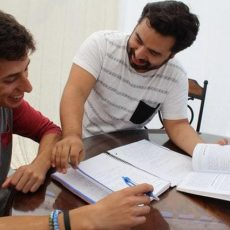 How Friends Study To Get Killer Grades – And Some Don't